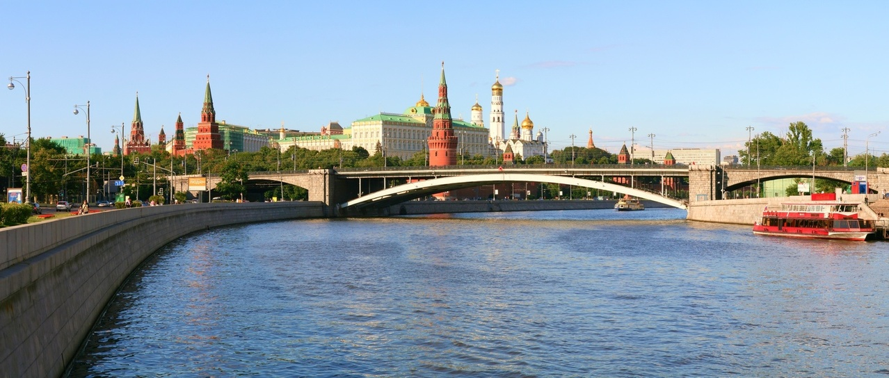 summer-day-at-moscow-river-1217031-1278x543