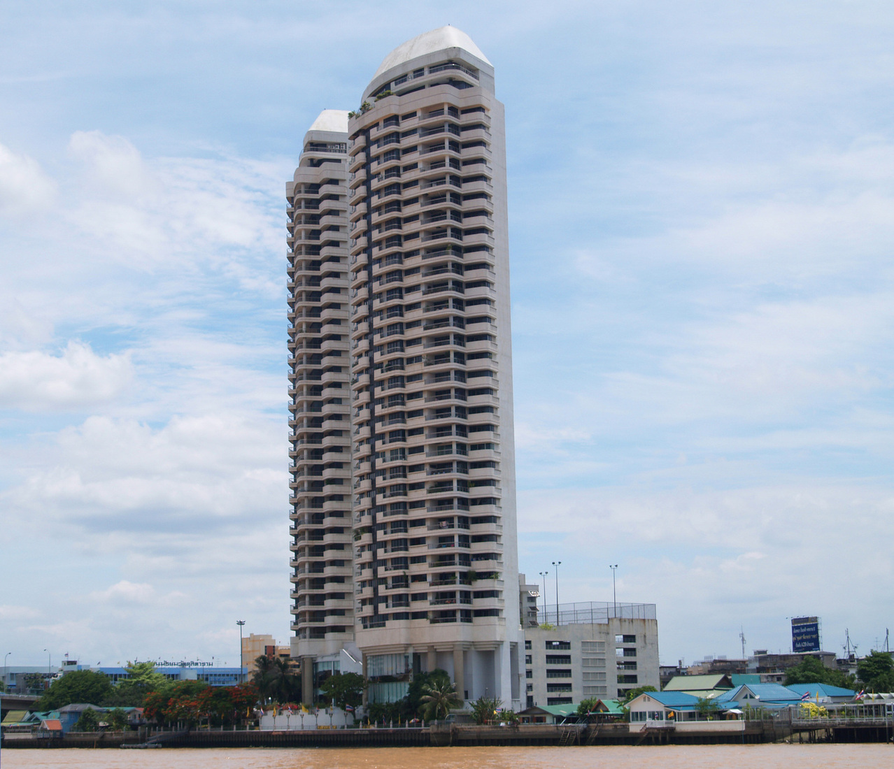 thailand-bangkok-building-1228301-1278x1099