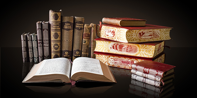 books-1702790_1920